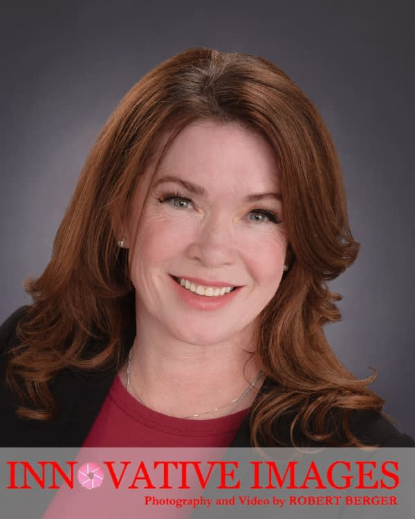 Houston Woman's Headshot Professional-portrait-business-executives-actor-actors models Realtors Attorneys Doctors Physicians